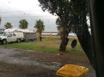 Bin close, Australind