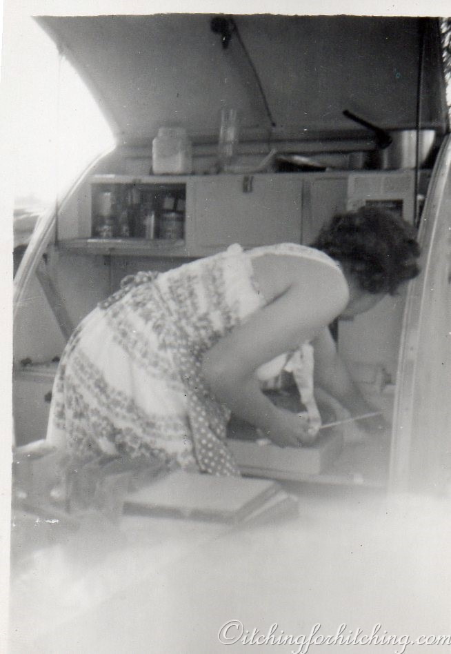 Mum and the Caravanette 001