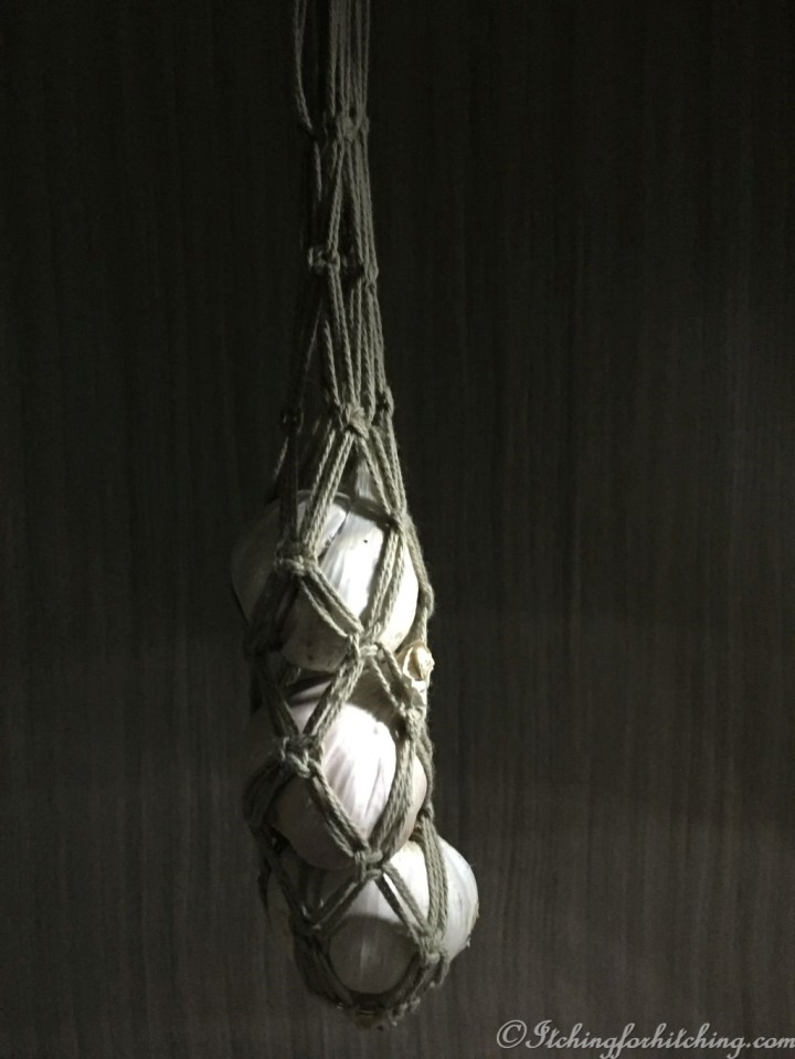 Garlic Hanger